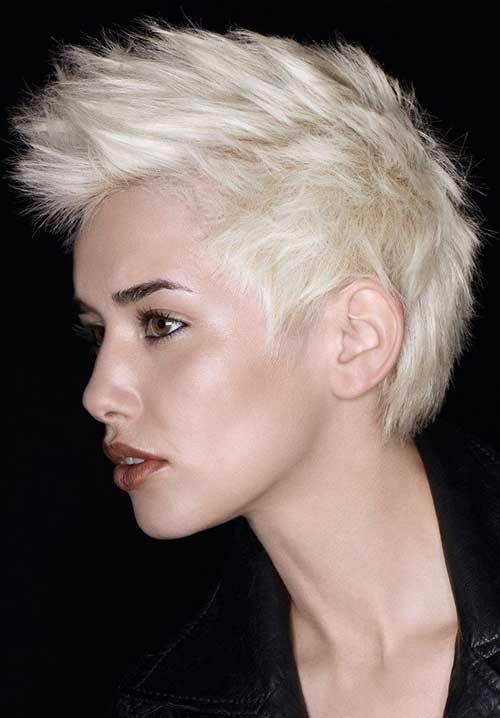 capelli-corti-biondi-decolorati