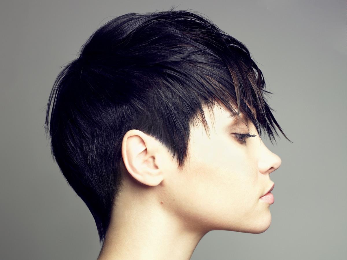 Tagli capelli corti medi